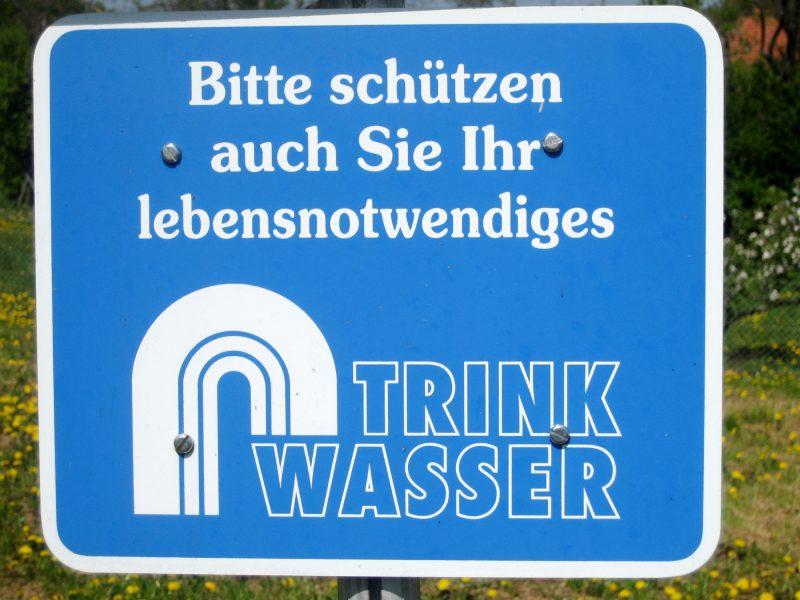Wasserversorgung – Trinkwasser-Schild